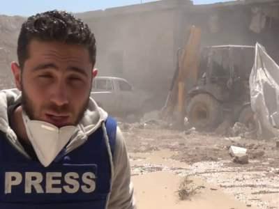 اللحظات الاولى لاستهداف فرق الدفاع المدني والمشفى الميداني في خان شيخون بريف إدلب 4 _ 4 _2017